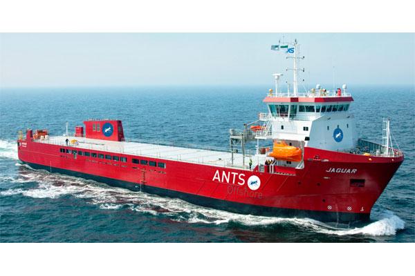 Das DP II Schiff wird aber dauerhaft (24/7) für den Offshore-Markt an der deutschen, holländischen und dänischen Küste für die unterschiedlichsten Ladungen an Deck, als auch unter Deck wie Brennstoffe, Frischwasser und Abwasser zur Verfügung stehen. / Pressebild: ANTS