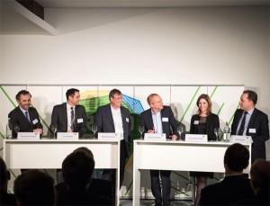 Bildunterschrift                                                                                                     Die Diskutanten erörterten die Chancen und Herausforderungen digitaler Geschäftsmodelle für die Energiebranche (v.l.n.r. Thomas Jarzombek, Lars Quandel, Eberhard Holstein, Klaus Stratmann, Lena-Sophie Müller und Robert Busch).