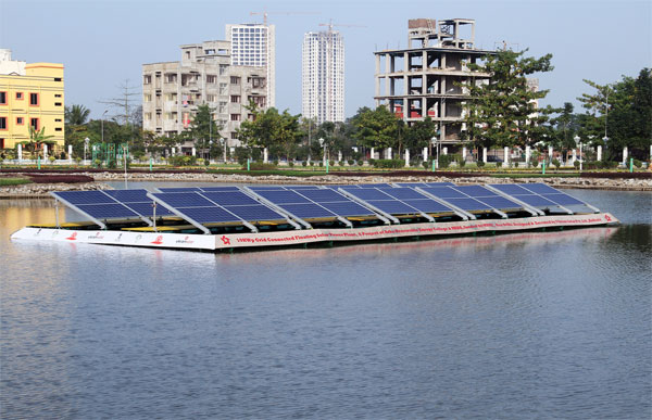 The R&D installation is part of a test project for Vikram Solar's new floating module technology in cooperation with the Arka Renewable Energy College in Kolkata.