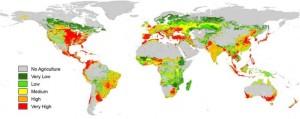 Globale Risikokarte durch den Eintrag von Insektiziden in Fließgewässern. Quelle: Environmental Pollution/ Elsevier