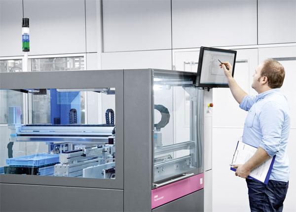 Die in OPAK aufgebaute exemplarische Industriezelle zeigt, wie eine flexible Anlage in der Fabrik der Zukunft funktionieren kann. (Fotos: Festo AG & Co. KG)