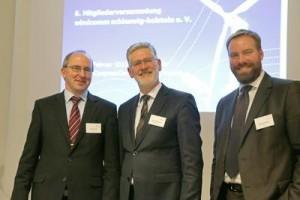 Der neue Vorstand des Windkraft-Branchenclusters windcomm Schleswig-Holstein e. V. (von links): Volker Köhne (DNV GL), Asmus Thomsen (VR Bank Niebüll), Kristian Hamel (Wirtschaftsförderung und Technologietransfer Schleswig-Holstein WTSH), Foto: windcomm/ D. Jensen