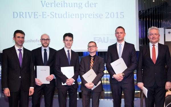 Wissenschaftlicher Nachwuchs für die Elektromobilität mit DRIVE-E-Studienpreisen 2015 ausgezeichnet / Pressebild
