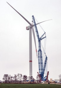 Senvion finished commissioning and initial test phase of the prototype of the Senvion 6.2M152. The turbine with the largest rotor diameter in the Senvion product range has been operating in fully automatic mode and thus as an active power plant at Langen-Neuenwalde (Germany), about 20 kilometres north of Bremerhaven, since January.  It generated the first kilowatt hour (kWh) on schedule on 18th December 2014 and received the Design Assessment. With a rated power of 6.15 megawatts, the Senvion 6.2M152 can supply around 4,000 homes with electricity.