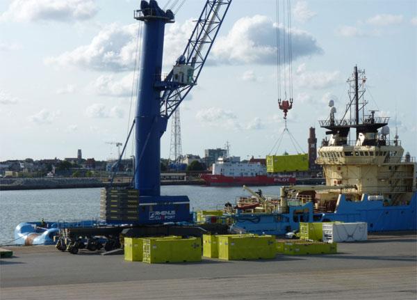 Siemens wählt Cuxport als Servicelogistiker für Konverterplattformen in der Nordsee / Pressebild