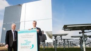 Übergabe der Auszeichnung für den Solarturm / Pressebild: DLR