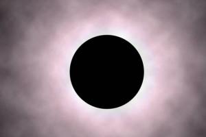 Bei Sonnenfinsternis, wenn der Mond sich am Tage vor die Sonne stellt, ist von der Erde aus nur ein Lichtkranz zu sehen. Diese Erscheinung suchen immer sehr viele Menschen zu beobachten, sie ist magisch anziehend, nur keiner weiß wieso. Die ganze Natur, mit Ausnahme der Menschen, schweigt so lange, bis die Sonne wieder ganz zu sehen ist. / Foto: HB