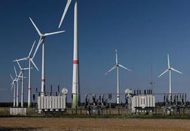Windpark aus Enercon-Windkraftanlagen im Bioenergiedorf Feldheim (Foto: Andreas Linder)