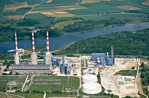 E.ON-Kraftwerk Irsching (mit E.ON-Kraftwerk Ulrich Hartmann mittig) / Pressebild: E.ON