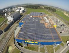 Schwedisches Möbelhaus installiert seine weltweit größte PV-Anlage in der Schweiz / Pressebild