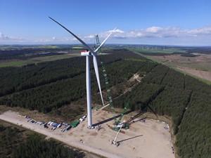 Die Prototyp-Anlage im dänischen Østerild wurde nur wenige Monate nach der Produktvorstellung auf der Messe EWEA Offshore errichtet. / pressebild: Siemens