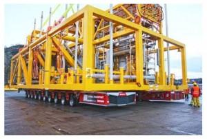 Eine 420 Tonnen schwere Pumpstation für den Einsatz am Meeresgrund – kein Problem für die Kombination aus NICOLAS MHD SPE G1 und G2.