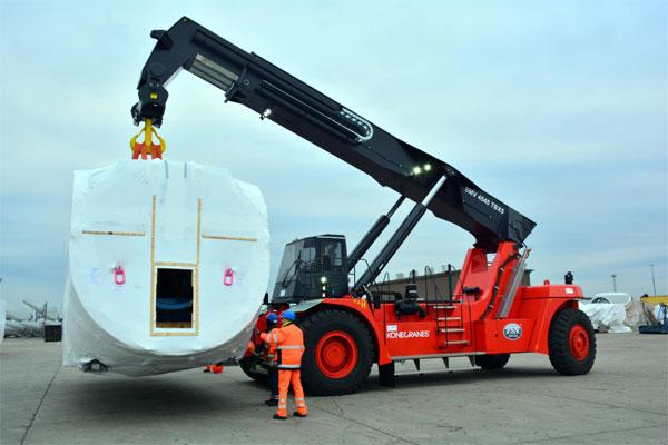Neuer Reach Stacker für Euroports in Rostock mit bis zu 78 Tonnen Tragkraft