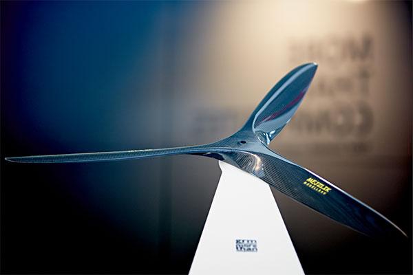 Zulieferer von Faserverbundwerkstoff-Lösungen für die Hersteller von Rotorblättern im Fokus der COMPOSITES EUROPE / Pressebild