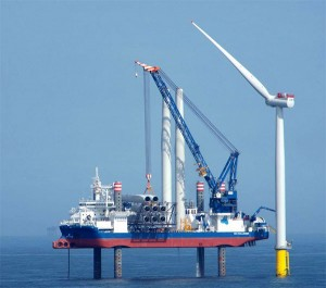 A2SEA will provide their specialist purpose-built offshore installation vessel SEA CHALLENGER to install the 91 Siemens Wind Power 6MW turbines. / Photo: A2SEA
