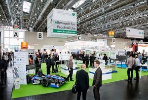 """Das Thema Reparaturen von faserverstärkten Kunststoffbauteilen ist ein Schwerpunktbereich der """"Industry meets Science""""-Sonderfläche, die in Halle 7 der COMPOSITES EUROPE zu finden ist. / Pressebild"""