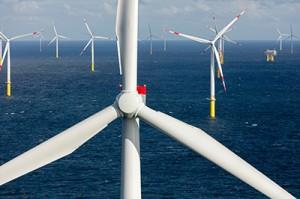 Offshore-Windkraftwerk Borkum Riffgrund 1 mit 78 SWT-3.6-120: Für das Offshore-Windkraftwerk Borkum Riffgrund 1 hat Siemens insgesamt 78 Windturbinen des Typs SWT-3.6-120 errichtet und in Betrieb genommen. Darüber hinaus übernimmt Siemens den Service und die Wartung der Windkraftanlagen über einen Zeitraum von zunächst zehn Jahren.