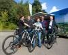 Es freuen sich über das erfolgreiche E-Bike-Leasing-Projekt: Carina Dethlefsen, Florian Baier, Melanie Schneider (alle Mitsubishi HiTec Paper Europe) sowie Peter Petersen (Fahrrad Petersen) und der Initiator Reiner Sieck (Mitsubishi HiTec Paper Europe ) (v.l.n.r.)