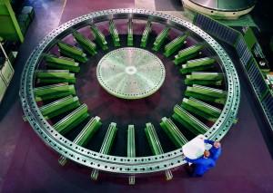 ThyssenKrupp ist Weltmarktführer für Großwälzlager, die u.a. in Windturbinen, Satellitenanlagen oder Tunnelbohrmaschinen zum Einsatz kommen. / Pressebild: ThyssenKrupp