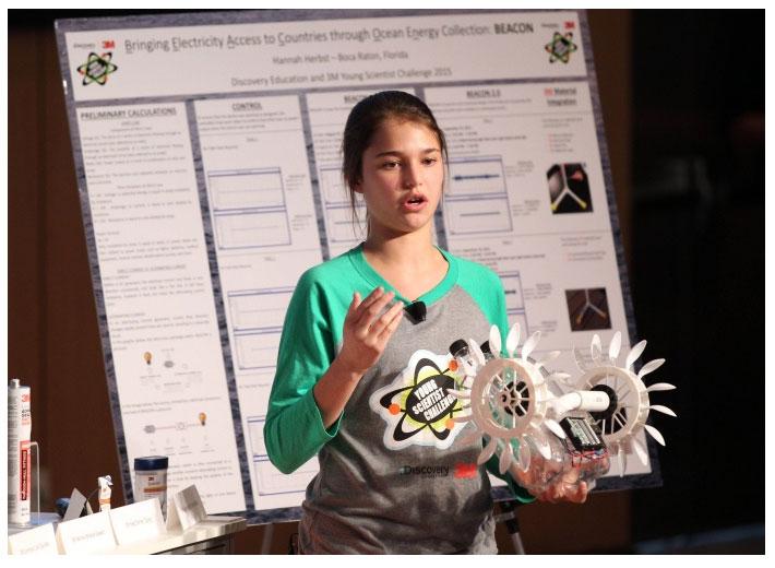 Die Schülerin Hannah Herbst aus Florida, USA hat den Prototyp einer Turbine entwickelt, mit der sich aus Meeresströmungen Energie gewinnen lässt. / Pressebild: Multitechnologieunternehmen 3M