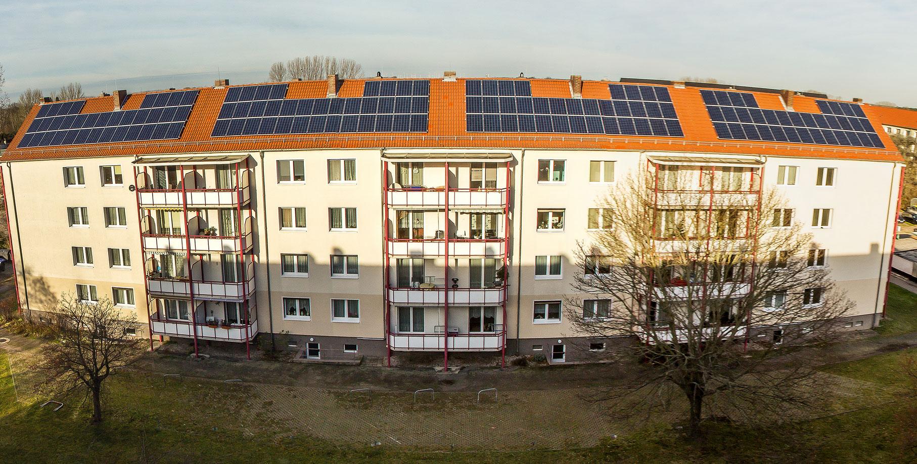 """Mieterstromprojekt """"SonnenBurg"""", Burg (Sachsen-Anhalt), 2015. Bildquelle: Stadtwerke Burg / Pressebild"""