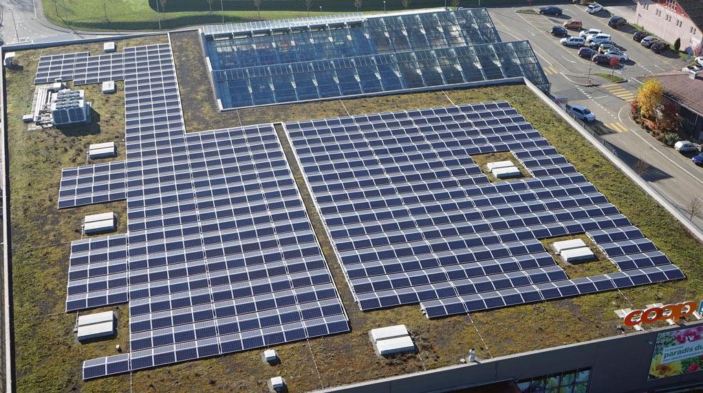 WIRSOL ist der Partner für große Photovoltaikanlagen auf Einkaufsmärkten in der Schweiz / Pressebild