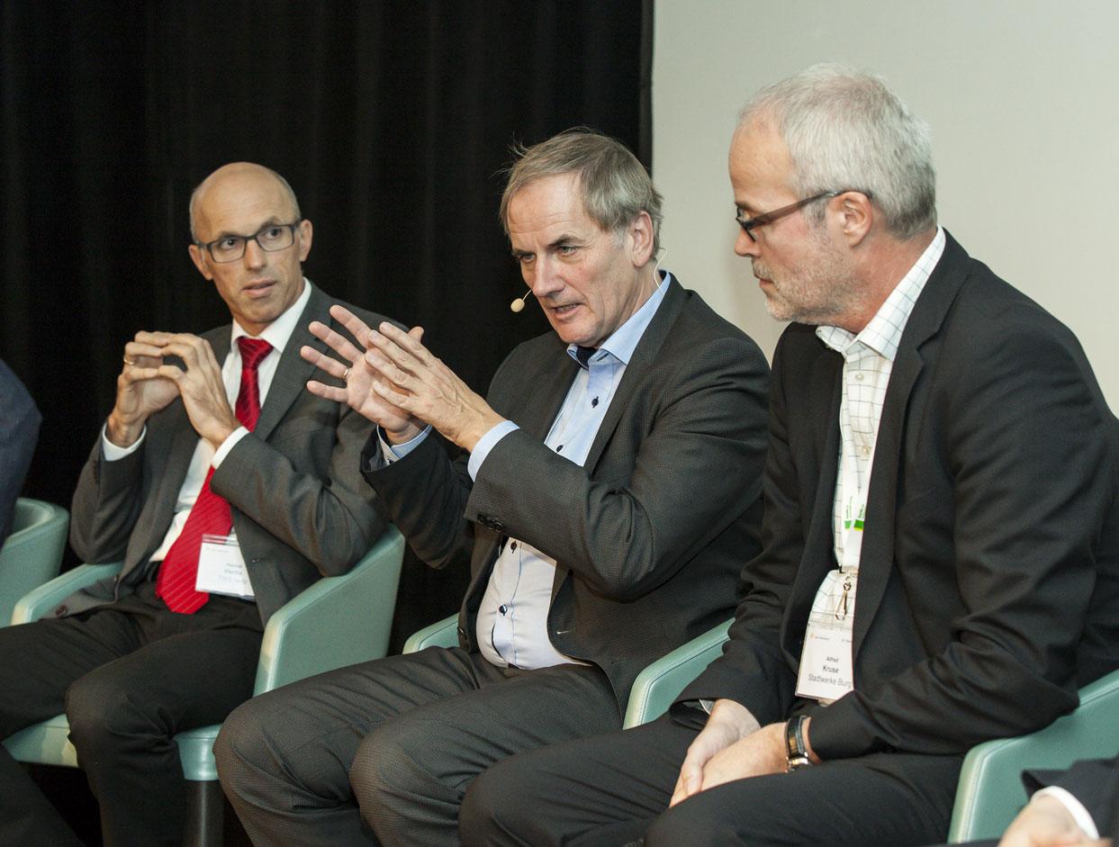 v.l.n.r.: Helmut Hertle/Stadtwerke Ravensburg, Dr. Holger Krawinkel/MVV, Dr. Alfred Kruse /Stadwerke Burg / Pressebild