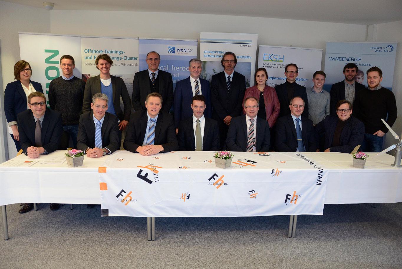 Erfolgreiches Team: Die Stifter unterstützen die Arbeit des Wind Energy Technology Institute (WETI) an der Fachhochschule Flensburg weitere fünf Jahre. Foto: Gatermann