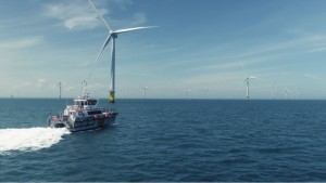 Building a record size offshore wind farm / Video: DONG Energy