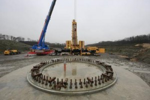 Windenergieanlage entsteht zurzeit südlich der Emscher / Pressebild: Emschergenossenschaft