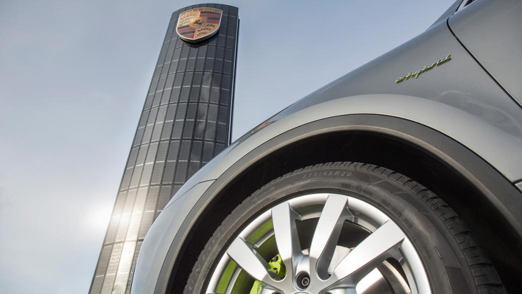 Porsche nimmt die Herausforderung der Elektromobilität konsequent an / Pressebild