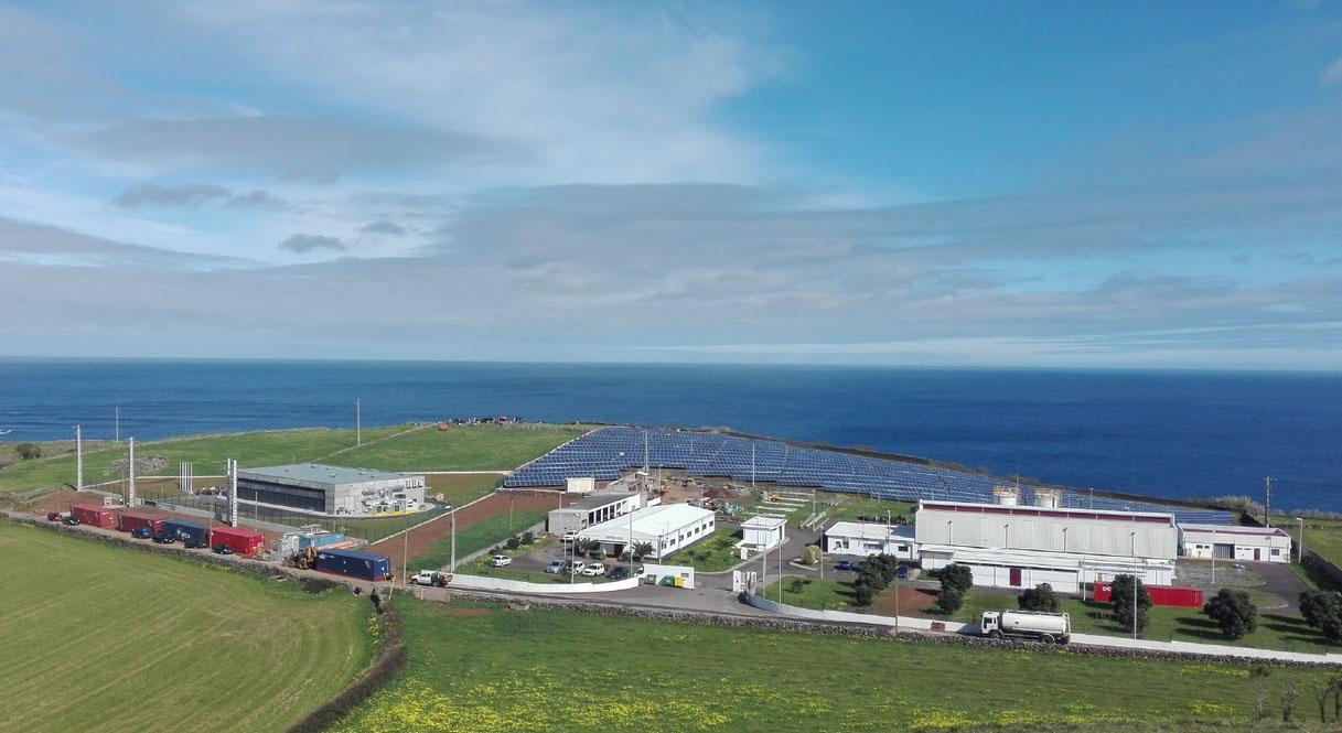 Azoren-Insel bald hauptsächlich durch Wind- und Sonnenenergie versorgt / Pressebild: Younicos