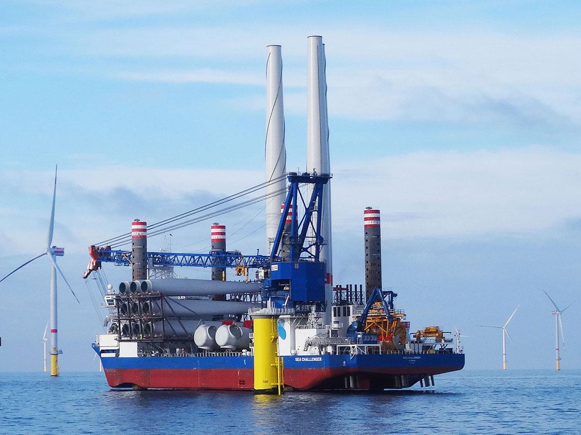 Das speziell entwickelten Offshore-Installationsschiff SEA CHALLENGER wird die 60 Siemens 6MW Turbinen im Jahr 2018 installieren / Pressebild