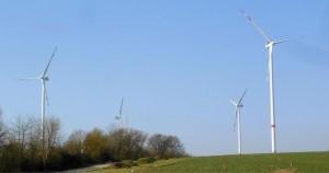 Das Bürgerprojekt mit vier Anlagen vom Typ Vestas V112 3.3 luiefert sauberen Windstrom für mehr al/ Pressebilds 7.000 Haushalte.