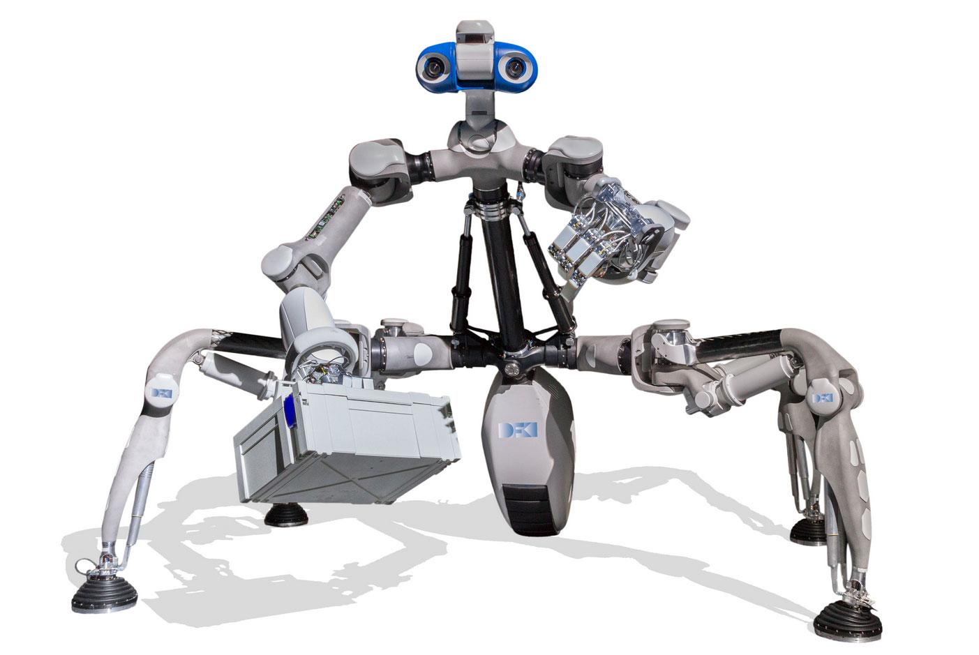 Der Laufroboter MANTIS in einer aufrecht stehenden Haltung, um die Fähigkeiten zur zwei-arm Manipulation zu nutzen Quelle: DFKI GmbH; Foto: Annemarie Hirth