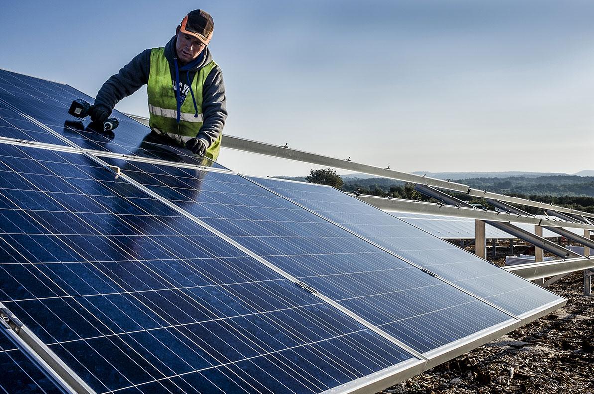 WSB Neue Energien Gruppe weiht in Südfrankreich PV-Park Cavillargues ein / Pressebild