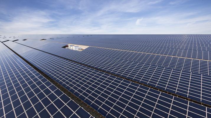 Solarfeld 01 - Optimierung von PV-Großanlagen für den Einsatz im globalen Sonnengürtel abgeschlossen / Pressebild: SMA