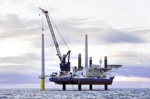 A2SEA's purpose-built offshore installation vessel SEA INSTALLER will be deployed to install a part of the 174 Siemens 7MW turbines. / Presssebild