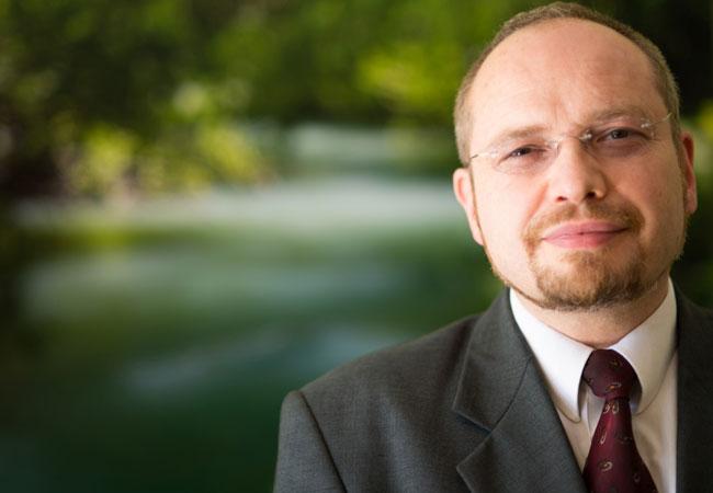 Energie- und Umweltökonom Erik Gawel Foto: UFZ / Sebastian Wiedling