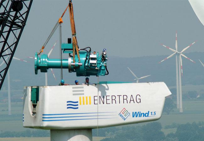 Durch ein innovatives Ersatzteilkonzept der ENERTRAG Service GmbH stehen auch Großkomponenten für einen schnellen Austausch zur Verfügung. / Pressebild