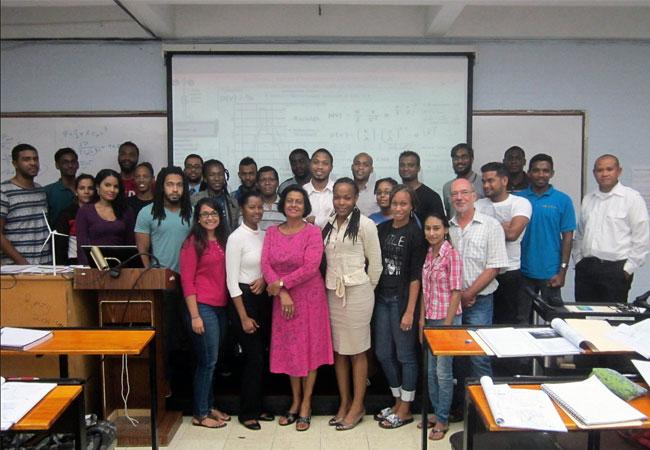 BU: Der vierte Jahrgang Windenergie an der University of the West Indies (Foto: Hochschule Flensburg)