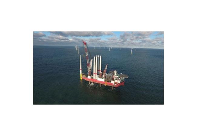 Pressebild: Alle Windenergieanlagen im Offshore-Windpark Sandbank errichtet