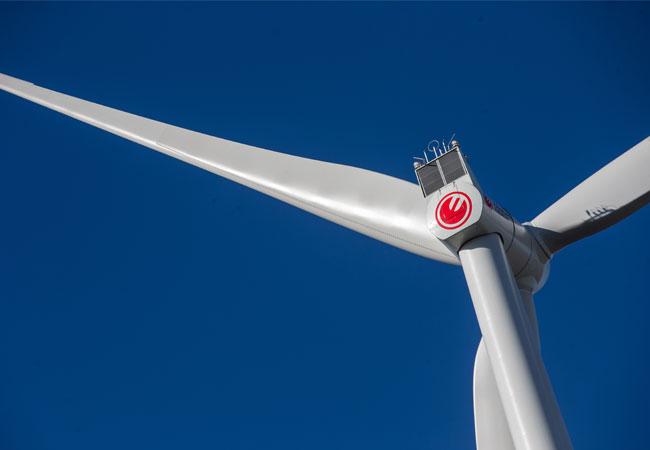 Neue Windenergieanlage von HAMBURG ENERGIE im Hamburger Hafen / © 2017 Ulrich Perrey
