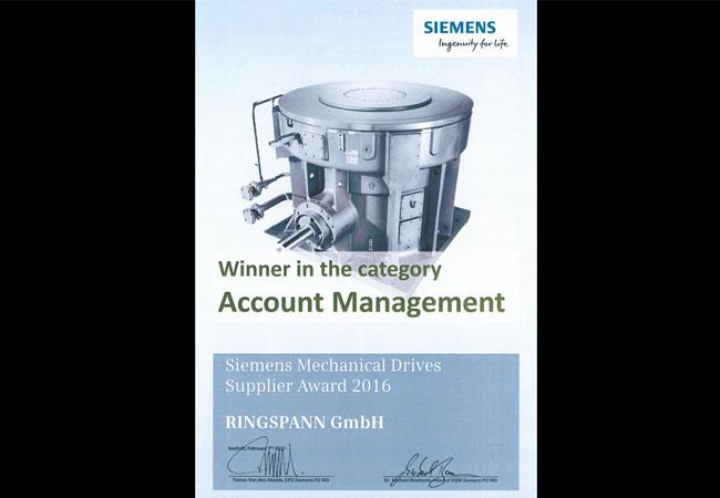 """Siemens Mechanical Drives prämierte vor wenigen Tagen die Besten seiner rund 300 Zulieferer mit dem Supplier Award 2016. In der Kategorie """"Account Management"""" erhielt der Bad Homburger Antriebselemente-Spezialist RINGSPANN die begehrte Auszeichnung. (Bild: Ringspann/Siemens)"""