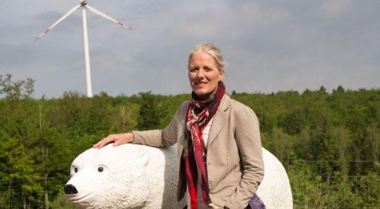 Pressebild: Energielehrpfad im Taunus begeistert kanadische Umweltministerin Catherine Mary McKenna