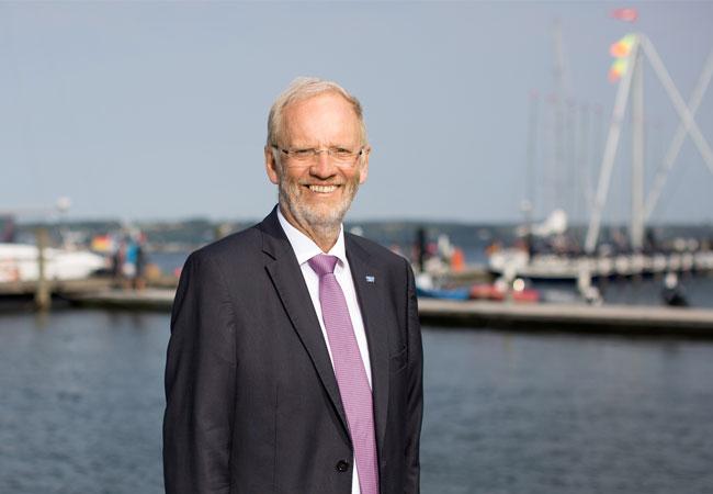 Bildunterschrift: Raimund Dankowski (Vorstandsvorsitzender des SBV und Mitglied im Klimapakt-Vorstand) wurde von der Mitgliederversammlung einstimmig zum Ehrenvorsitzenden des Klimapakt Flensburg e.V. gewählt.