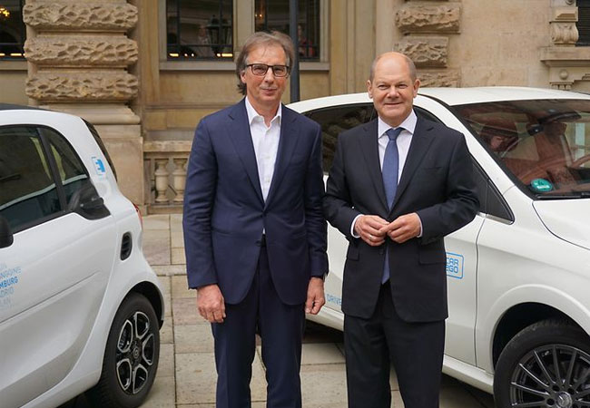 Hamburg und die Daimler AG vereinbaren strategische Partnerschaft zur Elektromobilität. (Bild: Senatskanzlei Hamburg)