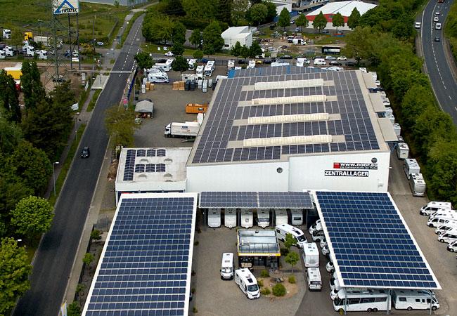 Pressebild: Erträge der Photovoltaikanlage übertreffen Erwartungen deutlich