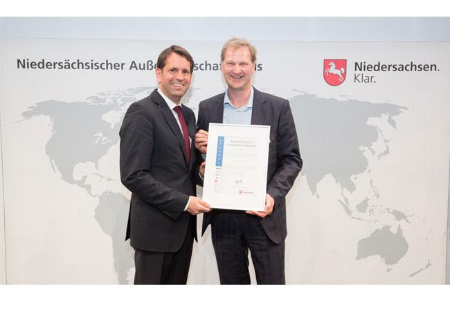 Wirtschaftsminister Olaf Lies würdigt Innovationskraft / Pressebild
