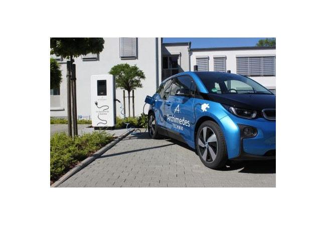 Ungewollte E-Mobilitätskosten und Stolperfallen bei E-Ladesäulen vermeiden / Pressebild: © 2017 Archimedes Facility-Management GmbH